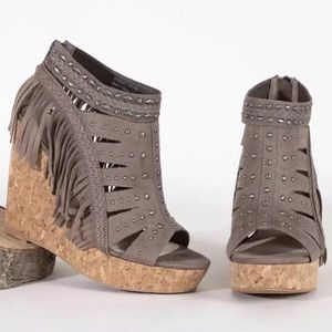 Not Rated NWOT Frolic in Fringe Wedges Taupe